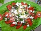 Рибний салат з помідорами